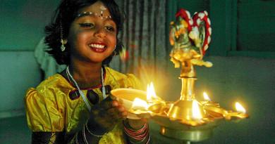 Happy Karthigai Deepam Festival #video ( Prof. S. Venkateswaran's chamber music concert)