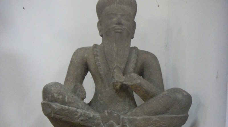 Statue of a siddhar (muniwar) found in the                                                                                                                                                                                                                                                                                                                                                                                                                                                                                        Cambodian National Museum in Phnom Penh.